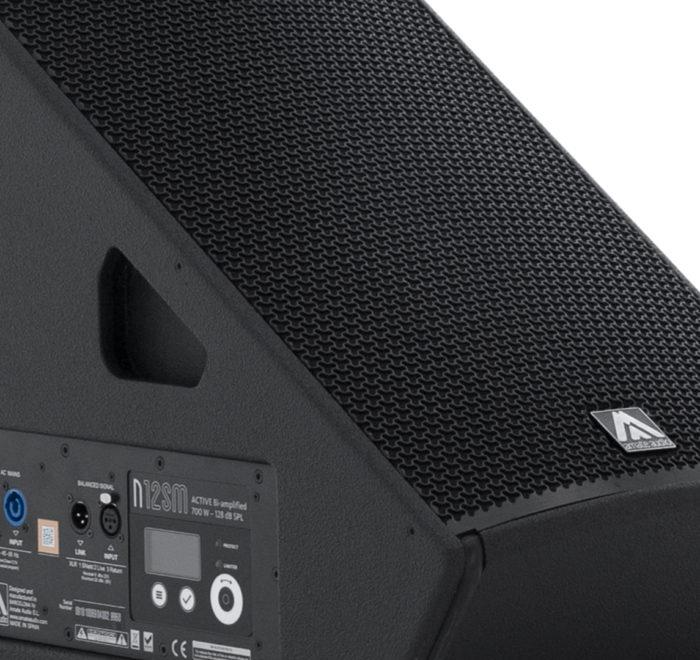 Diseño industrial altavoz monitor escenario